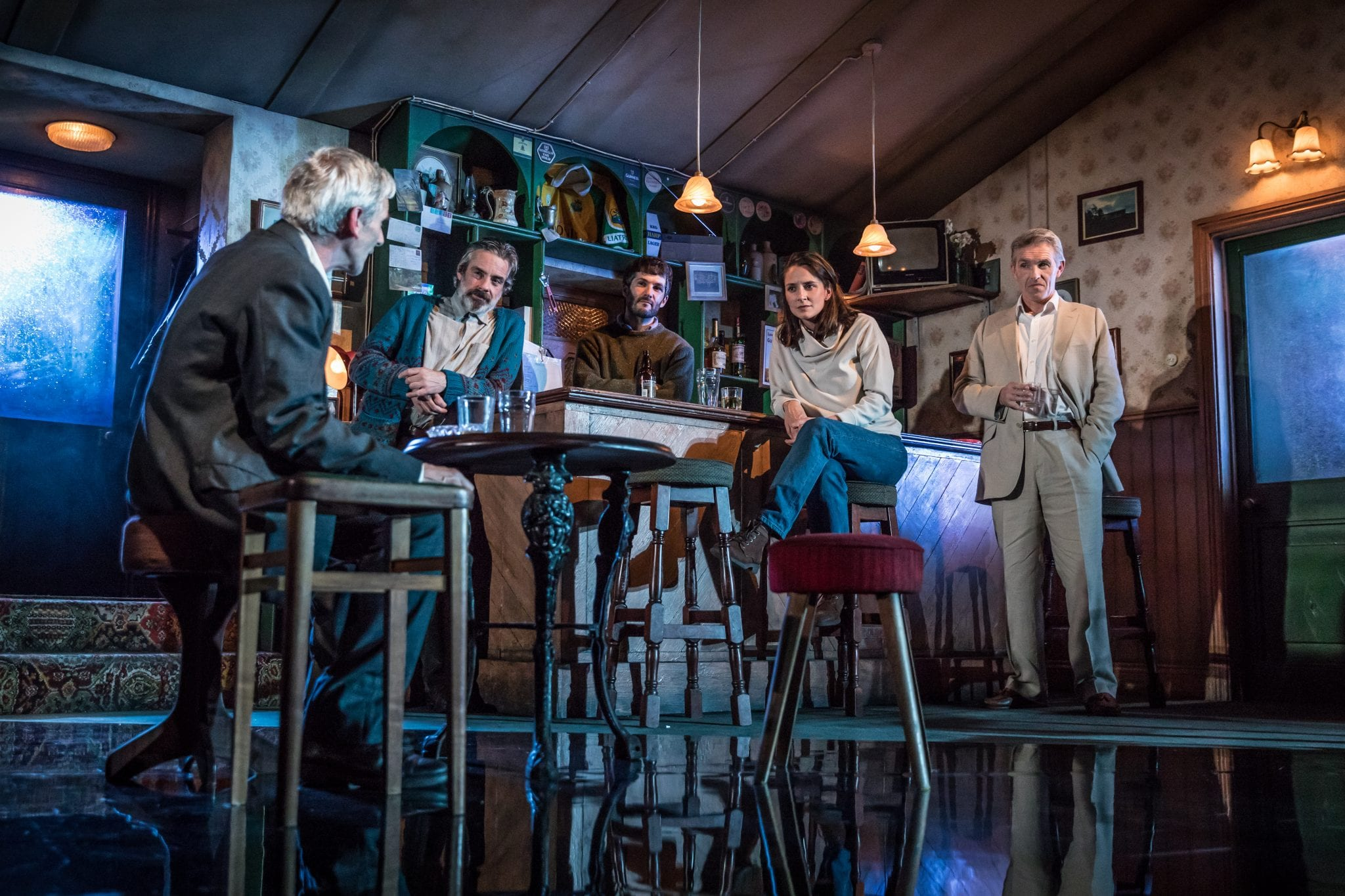 Sean Murray (Jack), John O'Dowd (Jim), Sam O'Mahony (Brendan), Natalie Radmall-Quirke (Valerie) & Louis Dempsey (Finbar) - The Weir - Photography by Marc Brenner